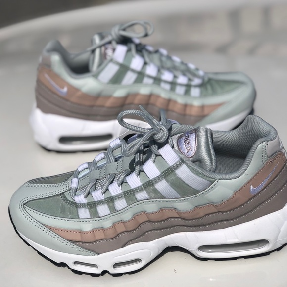 Nike Air Max 95 Moon Particle Women's Sz 7.5??
